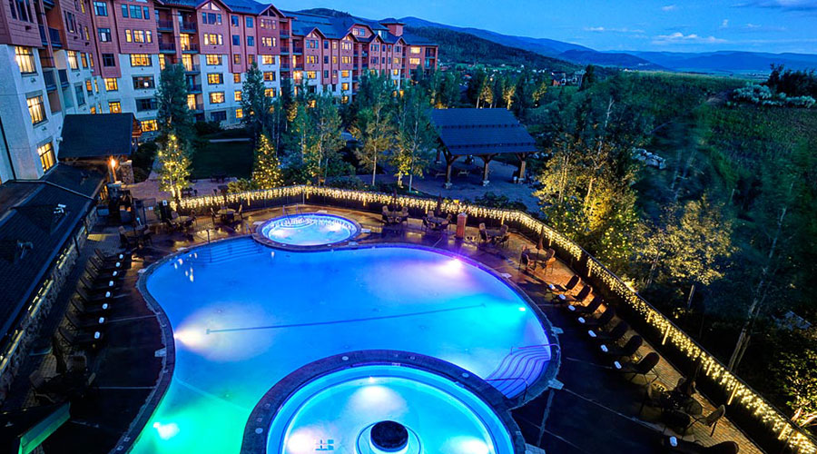 the-steamboat-grand-pool